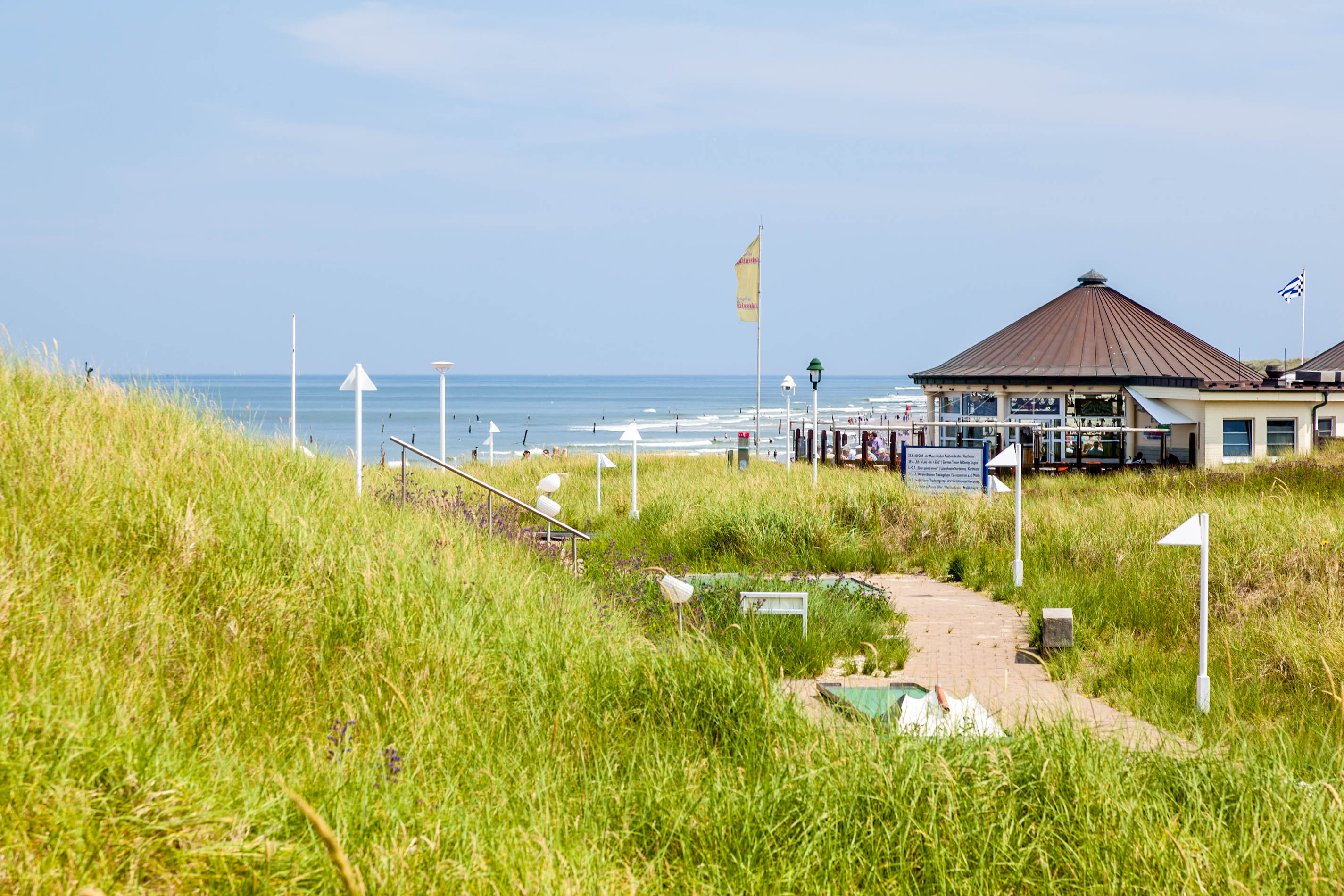 norderney-northern-beach-istock_21624664_large-editorial-only-michael-utech-2