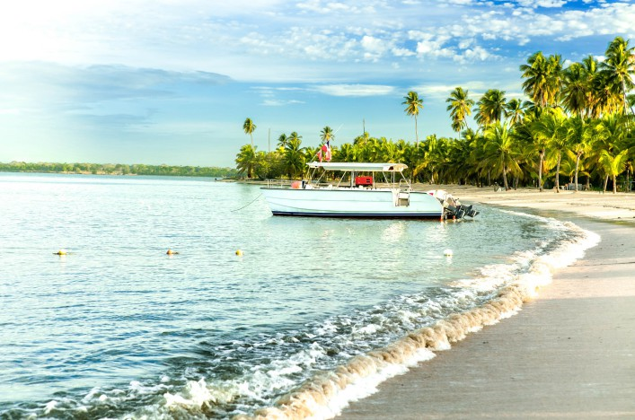 beach-in-dominican-republic-istock_000085534691_large-2-707x468