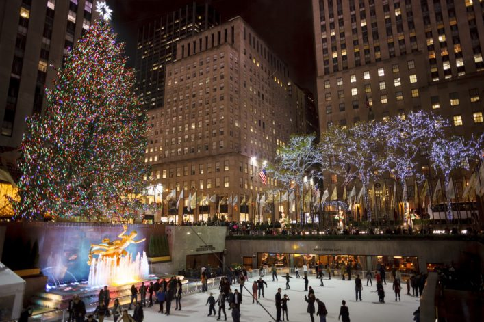 rockefeller-center-new-york_christmas-tree-editorial-only-dw-labs-incorporated-shutterstock_327830657