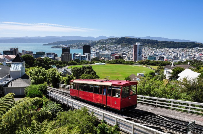 skylline-of-wellington-new-zealand-shutterstock_70942462-2-707x469