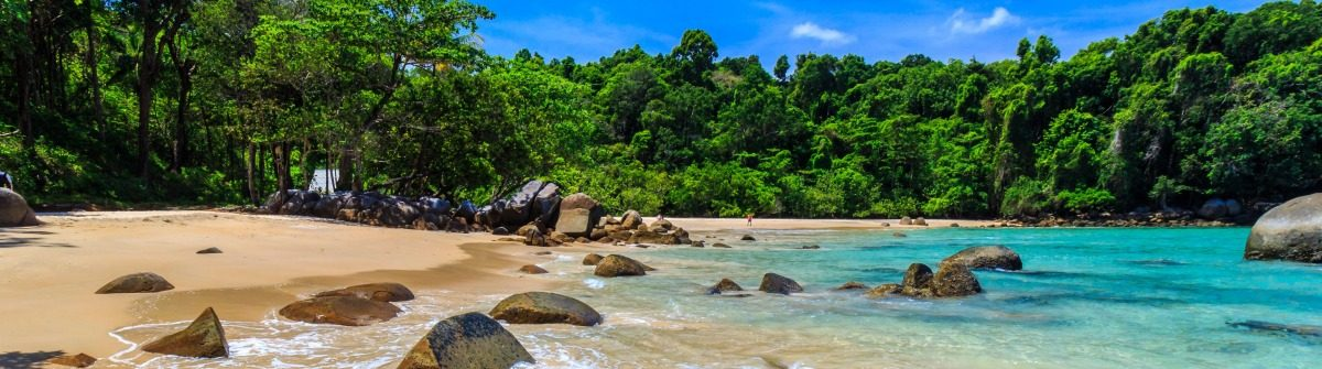 small-sandy-beach-at-lam-ru-national-park-in-khao-lak-shutterstock_316774736-2-1200×335