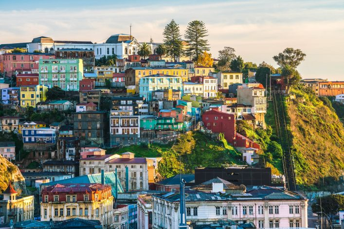 colorful-buildings-of-the-unesco-world-heritage-city-of-valparaiso-chile-shutterstock_429063166-2