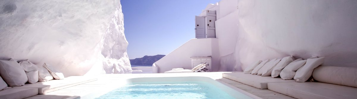 Chill Out in Santorini