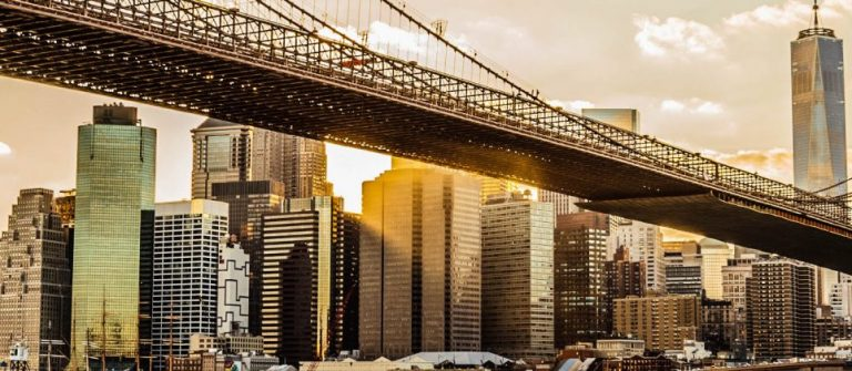 Brooklyn-Bridge-and-Manhattan-at-sunset-iStock_000048081118_Large-2-1920×420