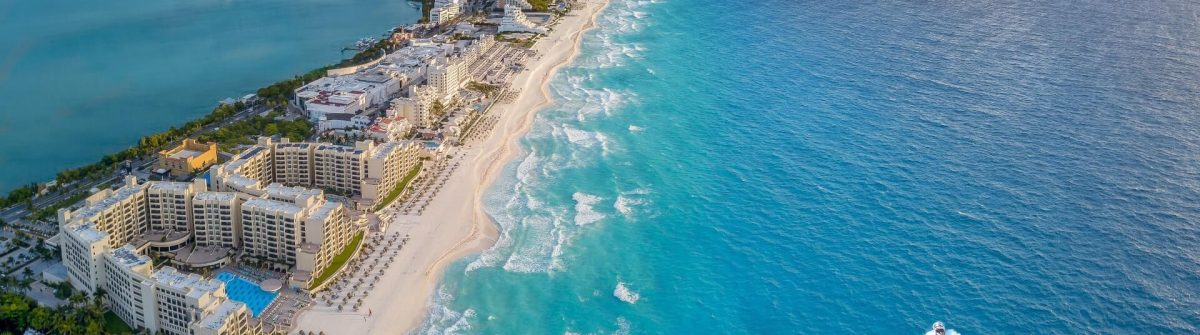 Cancun_beach_shutterstock_1063645616_1920