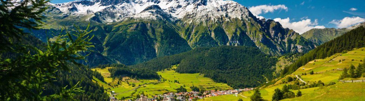 Oesterreichische-Mountain-Landschaft-iStock_14092772