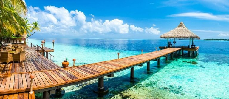 Tropical-paradise-landscape-in-Maldives-shutterstock_538014487