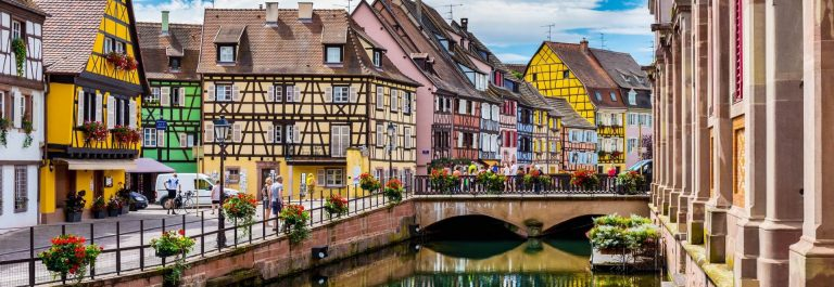 Colmar-architecture-and-flower-decoration-iStock-611780988-2