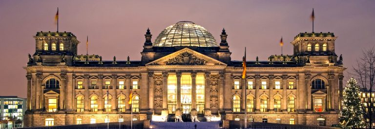 berlin reichstag christmas snow