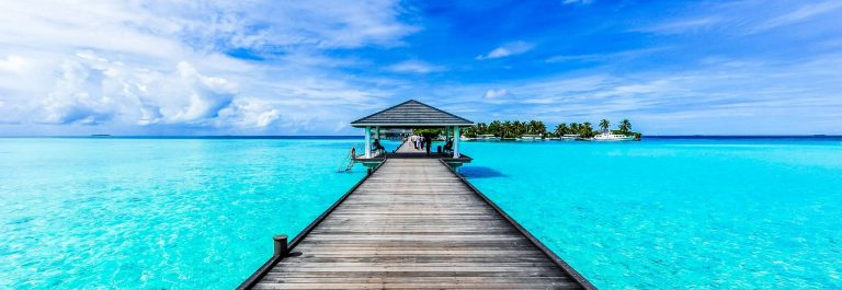 Boardwalk-to-paradise-iStock_87839995