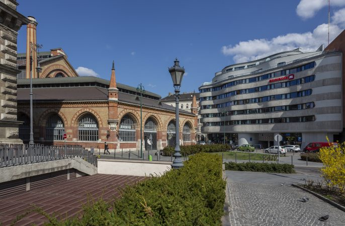 MEININGER-Budapest-Great-Market-Hall-Exterior-View-1-CSW8806-Web