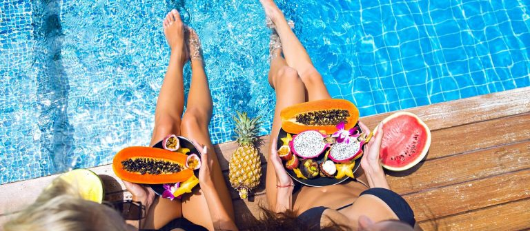 Obst am Pool