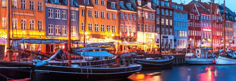 Copenhagen-night_shutterstock_183087389