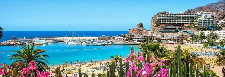 Puerto-Ricos-beach-Grand-Canary-Spain-iStock_50589612_XLARGE-2