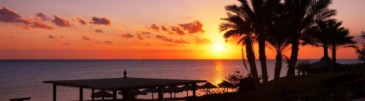 Sunset-over-the-Red-sea-in-Marsa-Alam-Egypt_shutterstock_213902740