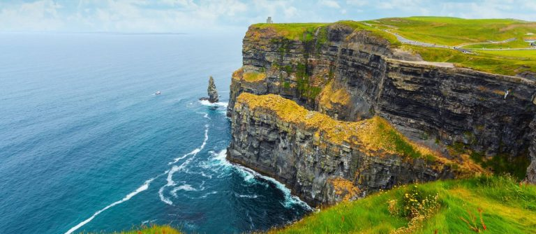 cliffs_of_moher_irland_iS-674909284_1920