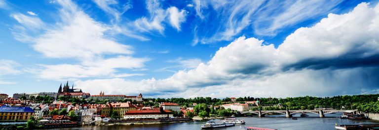 Charles-Bridge-and-Prague-Castle-over-Vltava-River-Prague-iStock_000078320755_Large-2