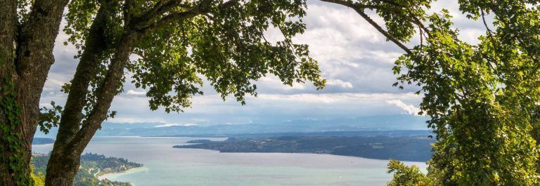 Look-over-Lake-of-Constance-autumn-time_shutterstock_523775548_1920x1280_tiny