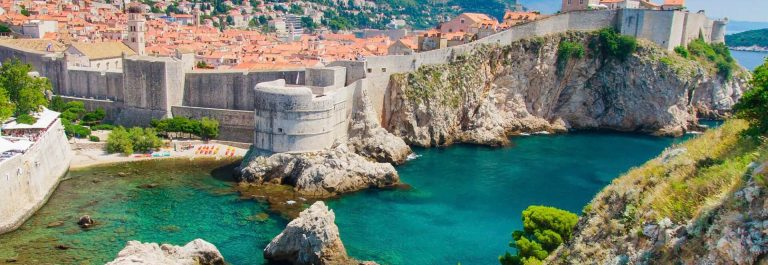Dubrovnik-in-Croatia-Scenic-view-on-city-walls-iStock_000023855600_Large_1920