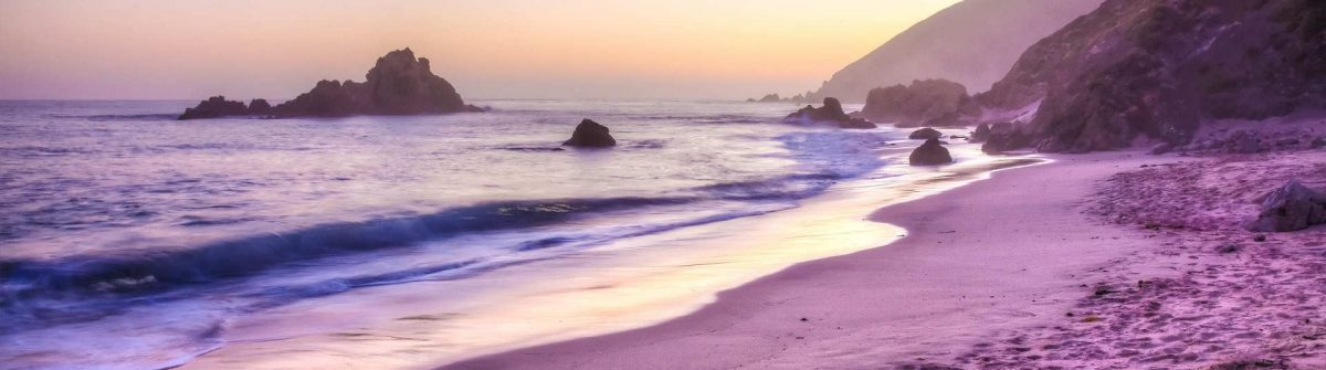 pfeiffer-beach-in-big-sur-is-an-incredibly-scenic-beach-shutterstock_62298538-2a