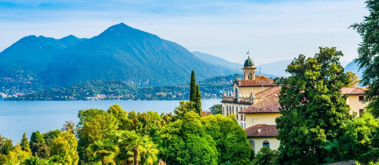 Beautiful-autumn-landscape-of-Stresa-town-on-the-shores-of-Lake-Maggiore-in-the-Piedmont-region-of-northern-Italy_shutterstock_1574148292